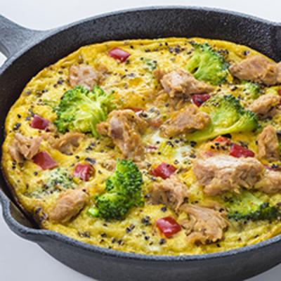 ツナと野菜のオープンオムレツ