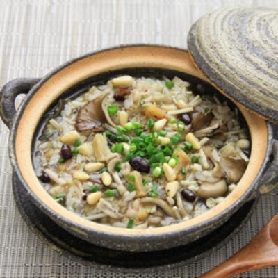 キヌア・もち麦・小豆入り!干し貝柱のきのこ雑炊